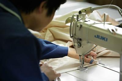 本縫いミシンによる縫製